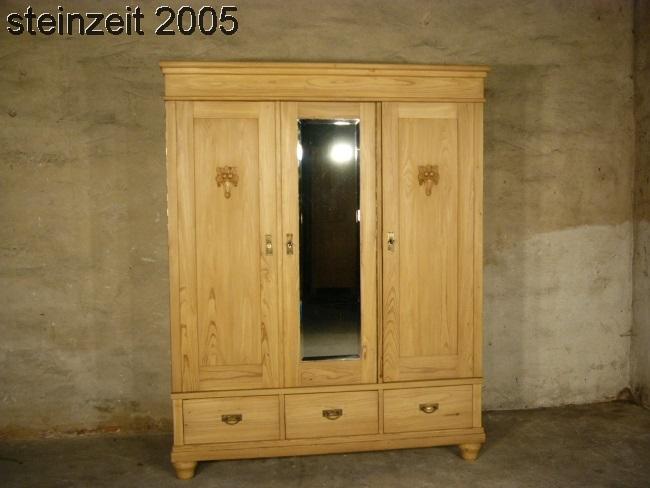 Schrank Jugendstil antik 3 türig Weichholz zerlegbar mit Spiegel um 1900 Jhd. 0
