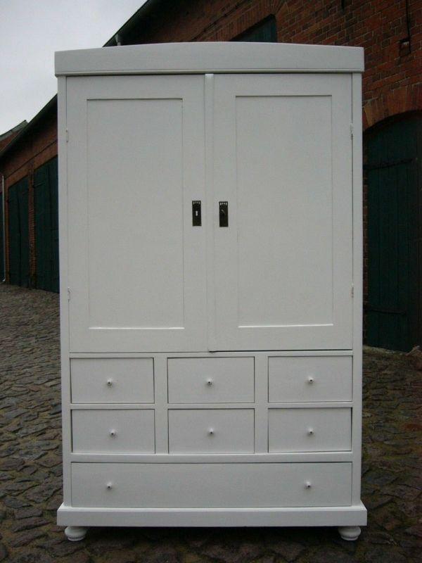 Schrank weiß im Landhaus Stil Jugendstil Kleiderschrank antik um 1900 Jhd.