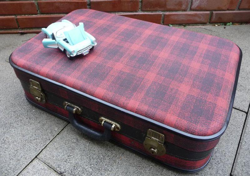Rockabilly Koffer rot kariert