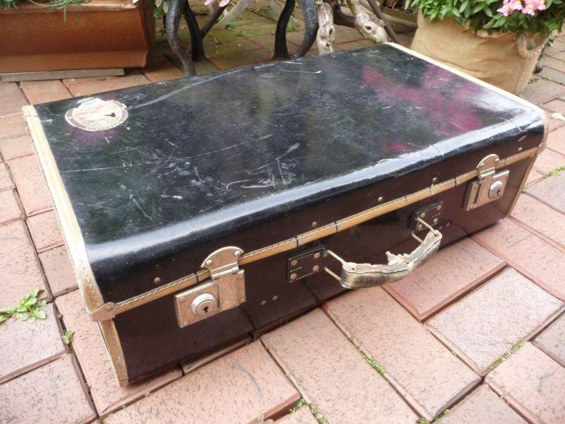 Schwarz kleiner Koffer shabby chic