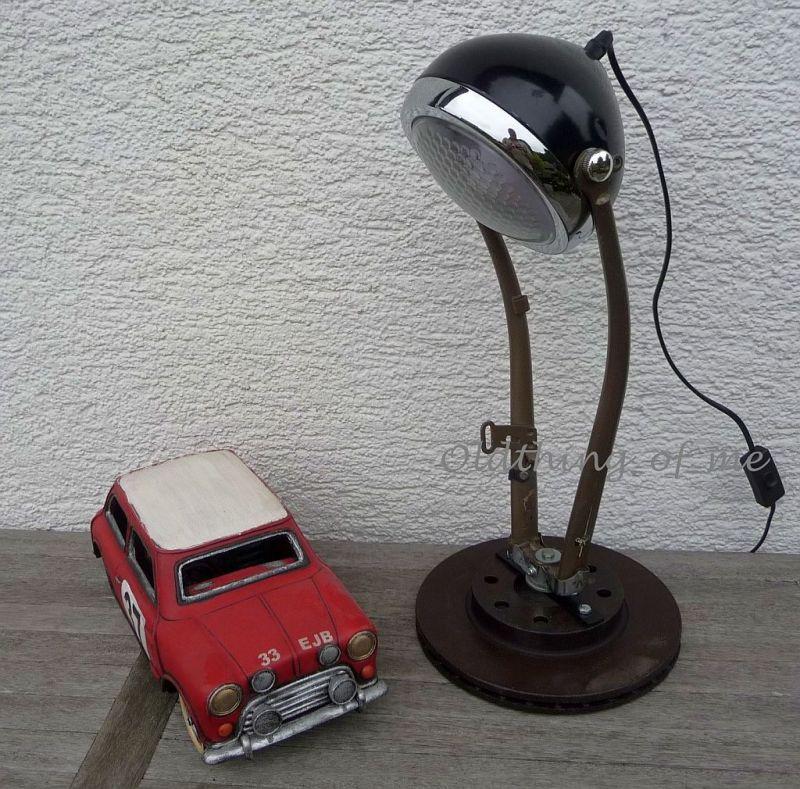 DIY Tischlampe Fahrradgabel Upcycling