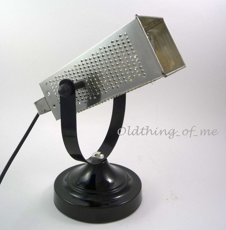 DIY Tischlampe Küchenreibe Upcycling  1