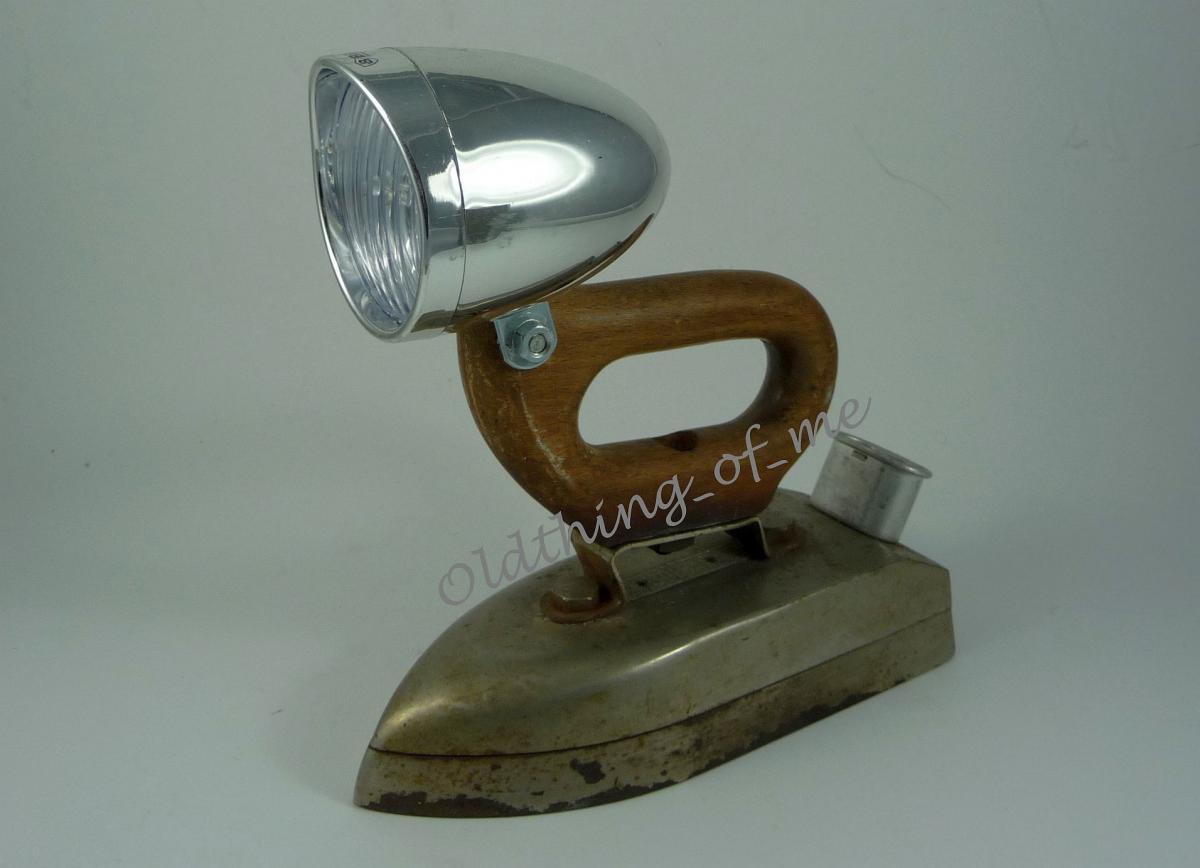 DIY altes Bügeleisen Lampe Tischlampe