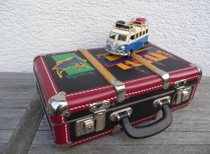 Kinderkoffer Retro Globetrotter schwarz rot 0
