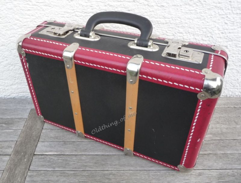 Kinderkoffer Retro Globetrotter schwarz rot 2