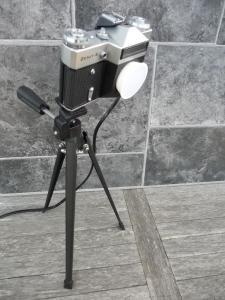 Reveuflex E Kamera Lampe LED Kameralampe DIY Produkt Upcycling auf Topman A8 Stativ