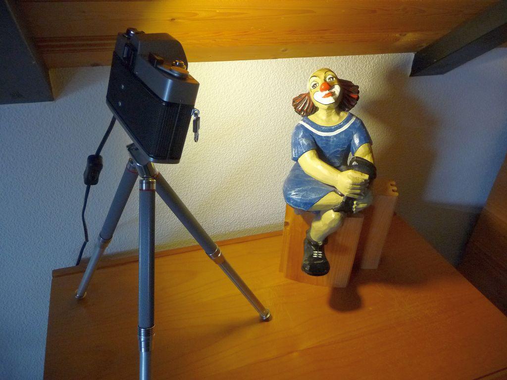 Reveuflex E Kamera Lampe LED Kameralampe DIY Produkt Upcycling auf Topman A8 Stativ 1