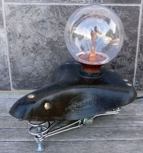 Tischlampe Fahrradsattel