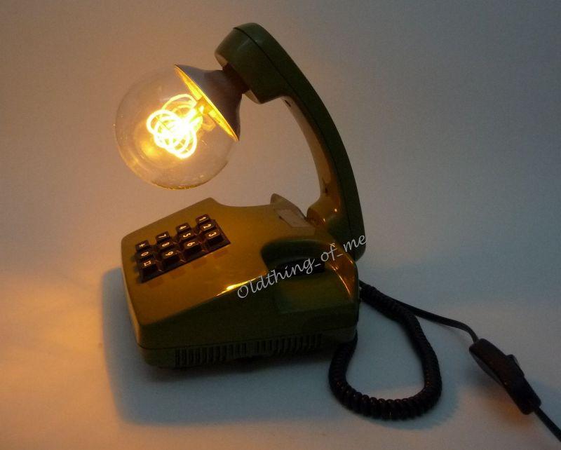 Grünes Tasten Telefon als Tischlampe 1