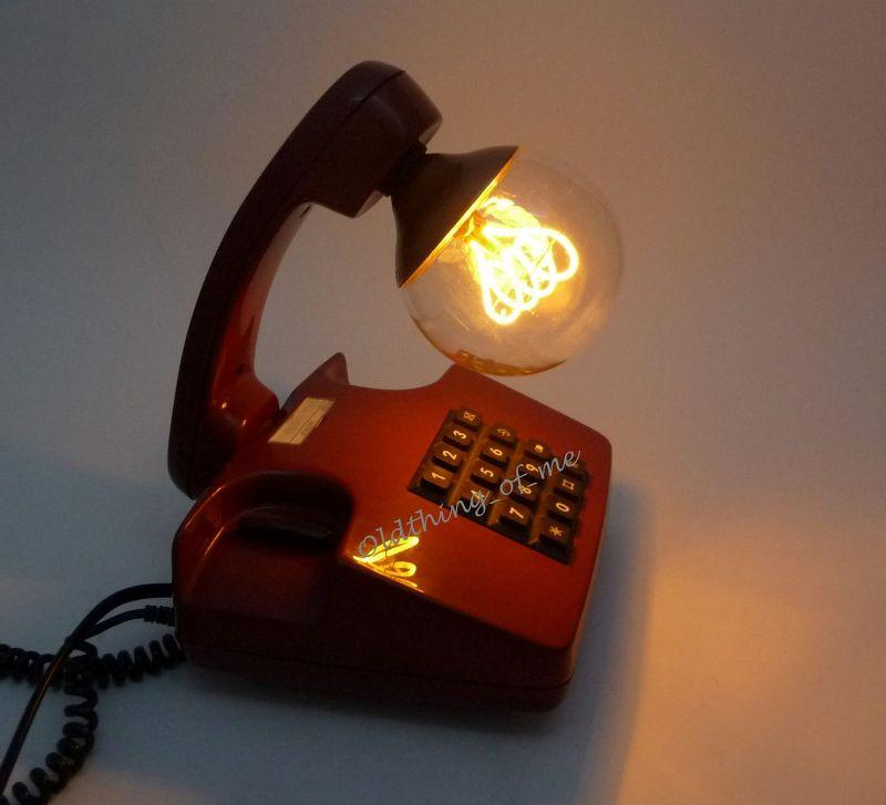 Rotes Tasten Telefon als Tischlampe 1