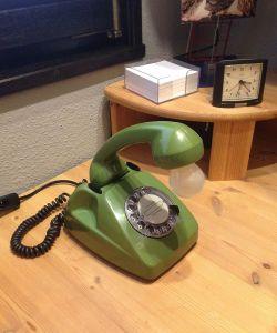 Telefon 611 in grün als Tischlampe