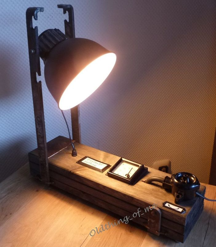 Steam Punk Tischlampe mit Voltmeter Instrument Upcycling DIY Produkt 4