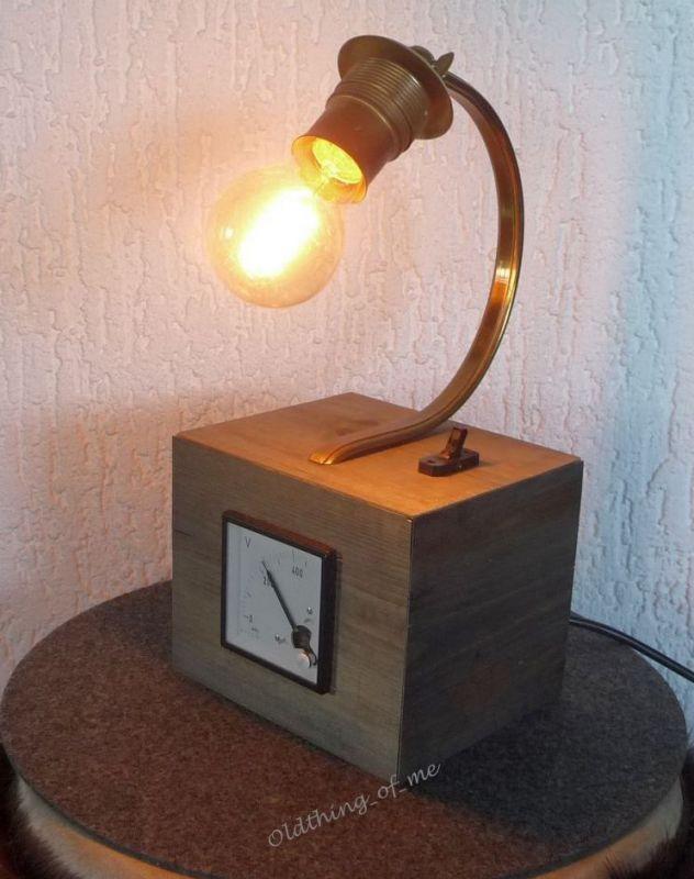 Steampunk Tischlampe mit Voltmeter Instrument Upcycling