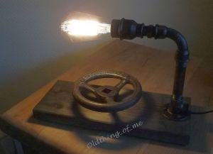 Steampunk Tischlampe mit Stellrad