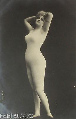 Erotik Frauen Nackte Frau Im Hautfarbenen Anzug Zensur Ca 1900