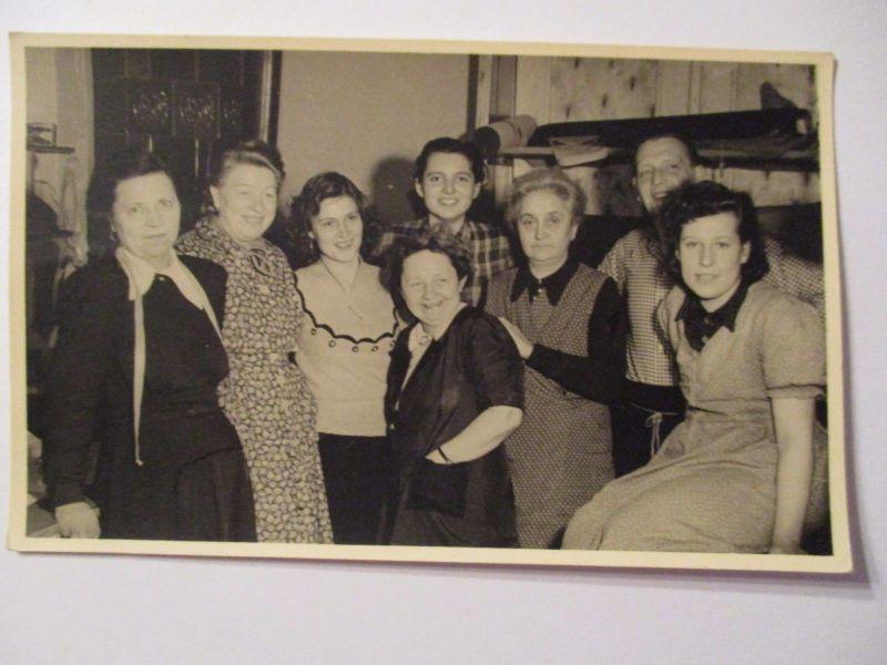 Berufe, Frauen, Schneider, Näherinnen, Fotokarte ca. 1930 (3058)