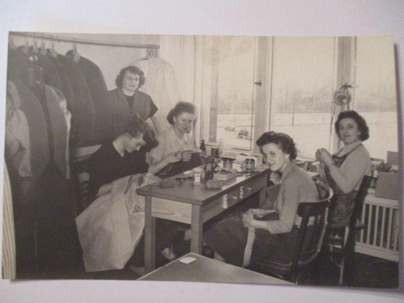 Berufe,  Arbeit, Frauen, Näherin, Schneiderin, Fotokarte  (37588)