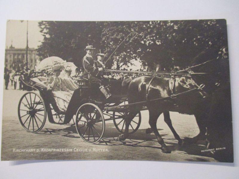 Adel Mecklenburg, Kirchfahrt der Kronprinzessin Cecilie und Mutter (22366)