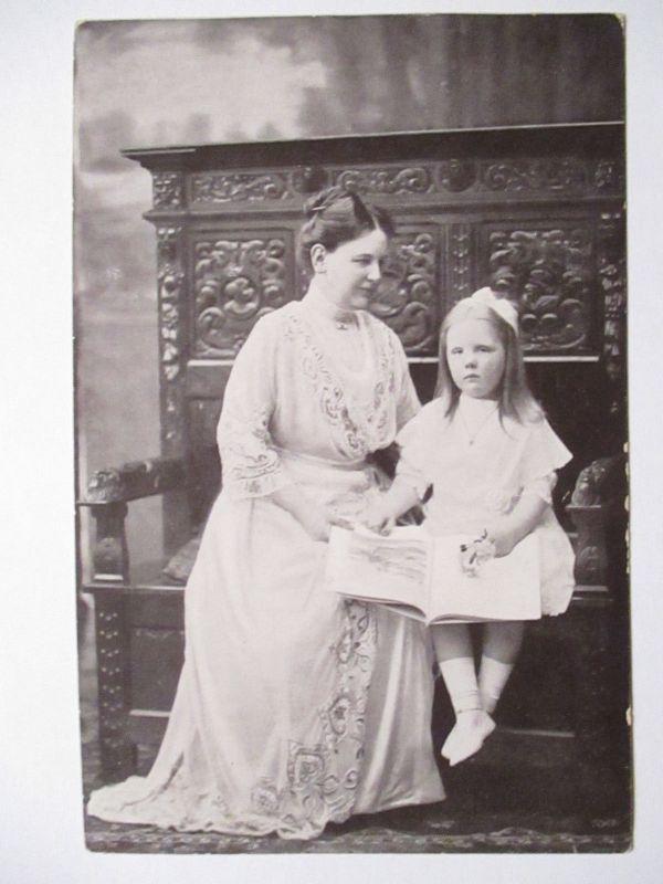 Niederlande, Königin Wilhelmina mit Tochter 1914 (30018)