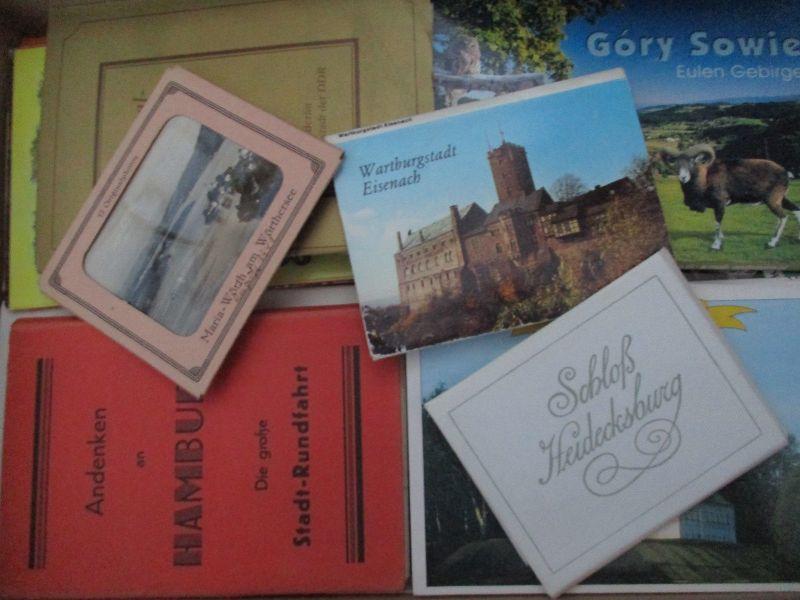 Karton mit versch. 50 Bildermäppchen Kleinfoto bis Ansichtskarte, siehe Fotos