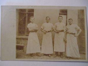 Berufe, Männer Arbeiter Metzger ?, Fotokarte 1905 aus Leipzig (28763)