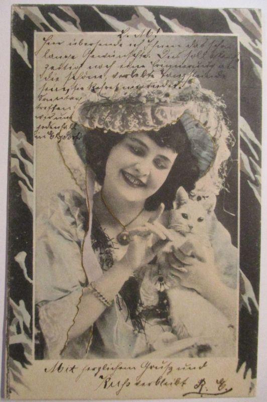Frau mit Katze, Mode, 1904 aus Rosswein (42735)
