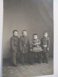 Ostern, Kinder, Hase, Ostereier, 1970 ♥ (39833)