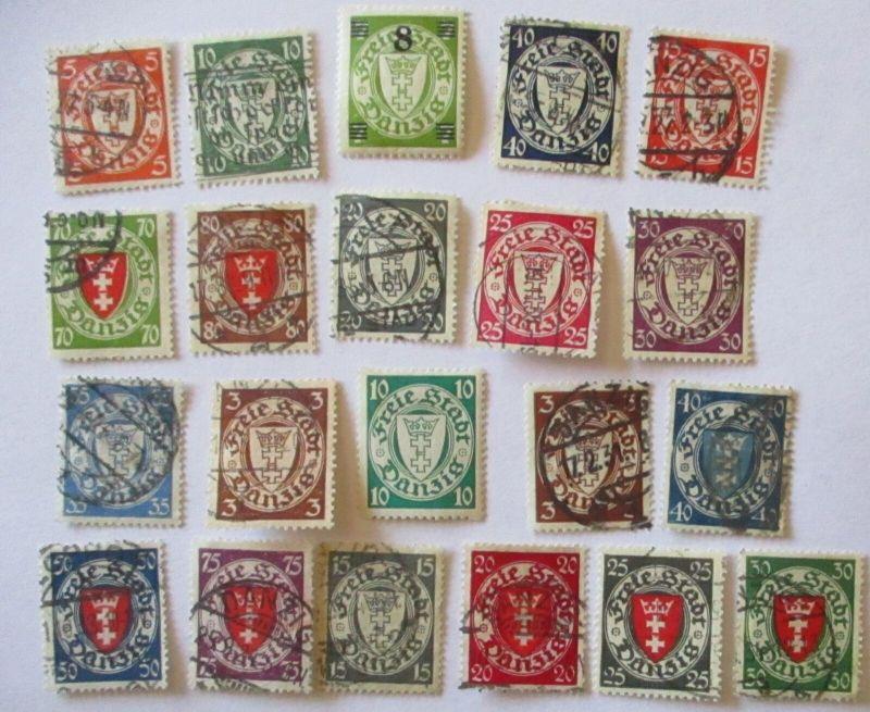 Danzig, 21 Freimarken Wappen meist gestempelt (19282)