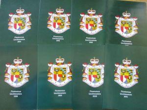 Liechtenstein 1994 - 2001 postfrisch komplett in 8 Jahresmappen