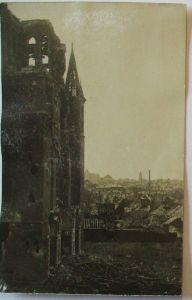 Westfront, zerstörte Kirche in besetzter Stadt, Fotokarte (16716)