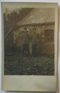 Frankreich, Soldaten in Autremencourt, Fotokarte mit Ortsangabe 1917 (26347)