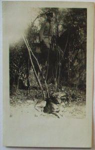 Deutscher Soldat zu Pferd, Hund, Fotokarte (373)