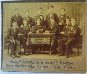 Junge Männer, original Foto 14x10 cm auf Pappe ca. 1900 (22879)
