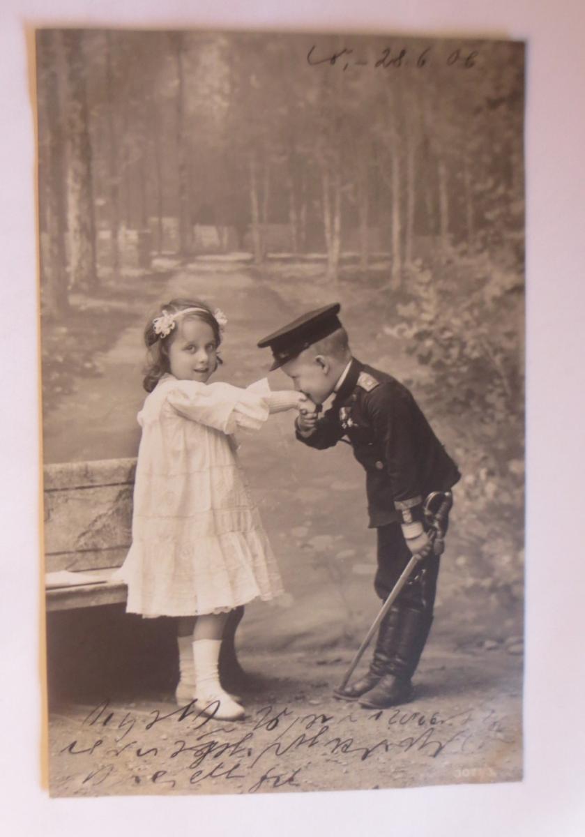 Kinder, Bank, Soldat, Kuss, Mode,    1906 ♥ (41516) 0