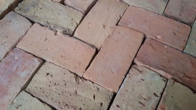 Fußboden Aus Alten Ziegeln ~ Fußboden aus alten ziegelsteinen alter boden mit ziegelsteinen