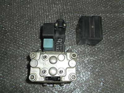Opel Senator B ABS Block Bosch 0265200048 Bremsdruckverteiler 3.0i 24V