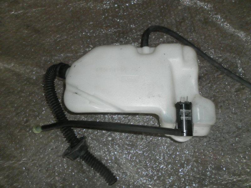 Ford Explorer  Wischwasserbehälter hinten mit Pumpe F17U-17B652-AB