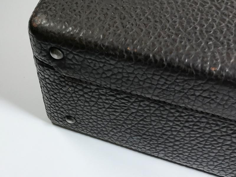 Sehr gut erhaltener Rindsleder-Koffer hergestellt von S. Dresdner, Chicago, (ca. 1935) USA  1