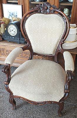 Wunderschöner Sessel Louis-Phillippe, Mahagoni massiv, schöne Schnitzereien, TOP 0