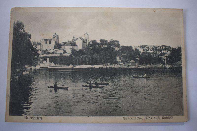 Ak Bernburg, Saalepartie Bick aufs Schloß, 1932 gelaufen