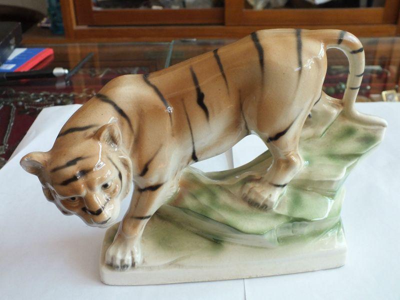 Schöne Porzellanfigur Tiger, handgemalt, Sitzendorf, TOP ZUSTAND!!!