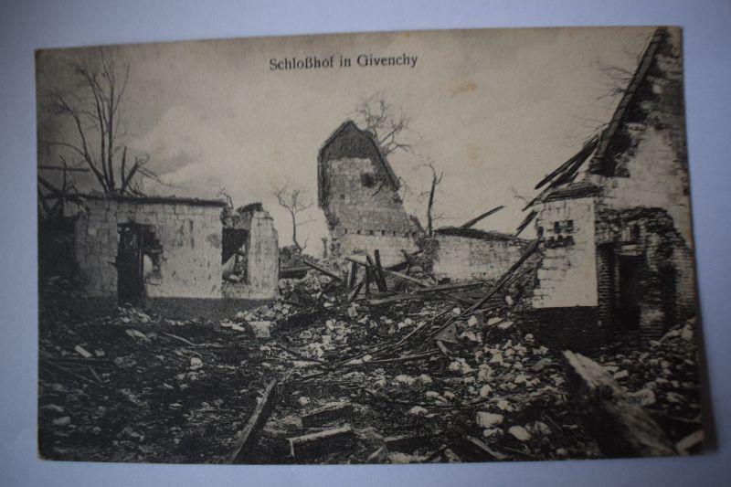 Ak Givenchy - Schlosshof, um 1915, nicht gelaufen