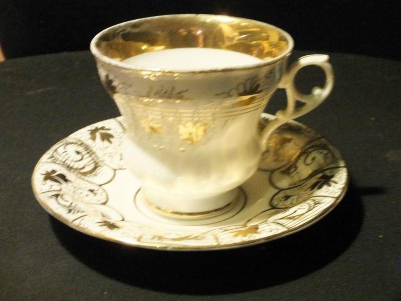 Tasse mit Untertasse Biedermeier Altwasser C. Tielsch & Co., guter Zustand!