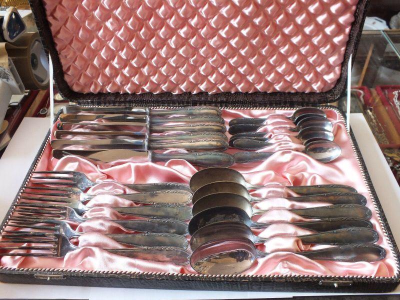 24 Teile Besteck, Walzwerk Hettstedt, 6 Löffel, 6 Gabel, 6 Messer, 6  im Koffer!