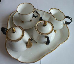 Le petit déjeuner, Tablett mit Tasse und Kaffee-oder Tee-Kern, KPM um 1840