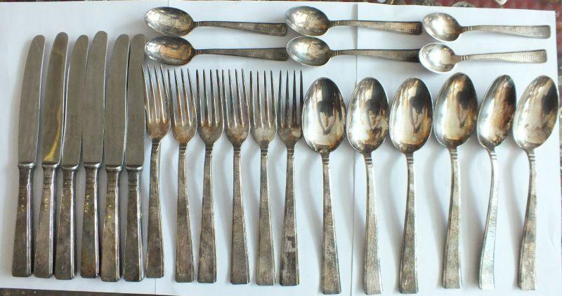 Art Deko, 24 Teile, je 6: Messer, Gabeln, Suppenlöffel, Teelöffel, 90 Auflage