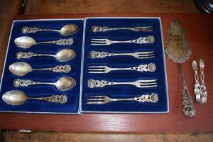 Hildesheimer Rose 800-er Silber, 6 Gabeln, 6 Löffel, 1 Zuckerzange1 Tortenheber