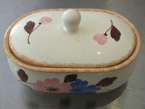 Wunderschöne Keksdose, Bonboniere, Dose, Annaburg Handmalerei, Keramik, Blumen