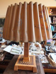 Wunderschöne Tischlampe, Intarsien, voll funktionstüchtig, um 1930 TOP!