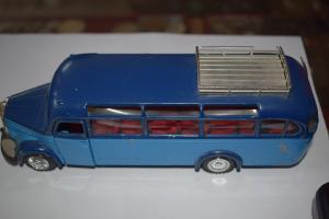 Mercedes Benz Omnibus O 3500, Baujahr 1949, M 1:40 NZG Modelle No. 215